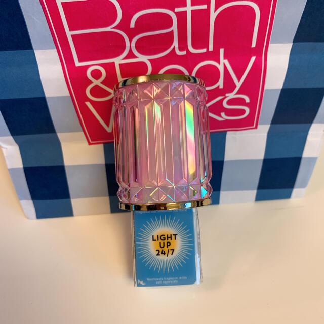 Bath & Body Works(バスアンドボディーワークス)の【新品】バスアンドボディワークス ウォールフラワー プラグ ピンクジェム コスメ/美容のリラクゼーション(アロマポット/アロマランプ/芳香器)の商品写真