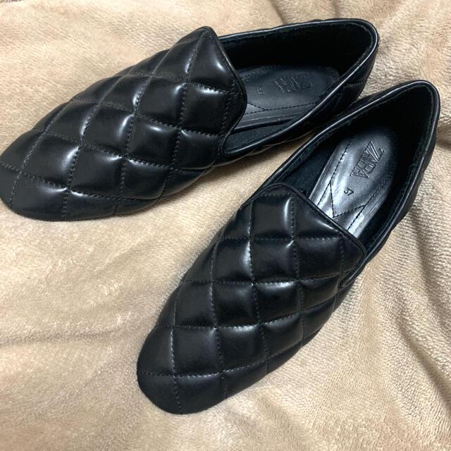 ZARA(ザラ)のzara 美品 キルティング フラット シューズ 37 レディースの靴/シューズ(ローファー/革靴)の商品写真