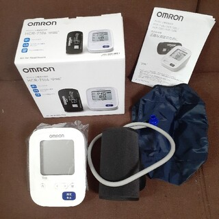 オムロン 上腕式血圧計 HCR-7106