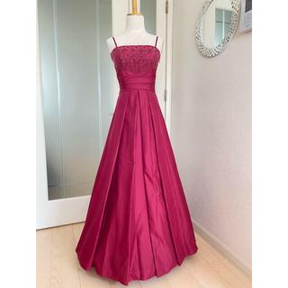 エメ(AIMER)のAIMER チェリーピンク レッドピンク 二回着用 ロングステージドレス(ロングドレス)