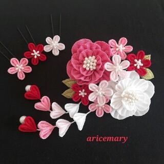 くすみピンクと真っ白な牡丹のつまみ細工髪飾り(ヘアアクセサリー)