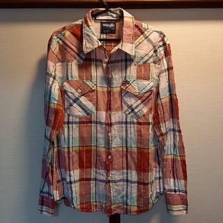 ラングラー(Wrangler)のお値引きWrangler麻混ライトウエスタンシャツチェック赤LARGE新品同様(シャツ)