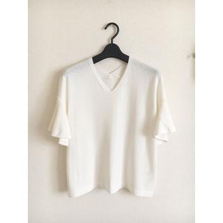 エニィスィス(anySiS)の袖フリル 薄手ニット(Tシャツ(半袖/袖なし))