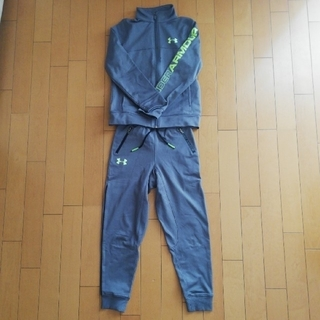UNDER ARMOUR - UNDER ARMOUR ギッズ上下ジャージ