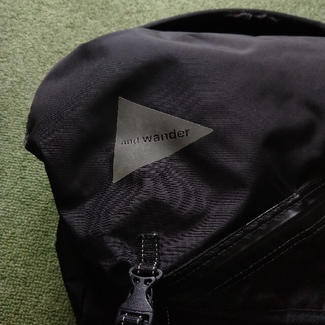 and wander メッセンジャーバッグ メンズのバッグ(メッセンジャーバッグ)の商品写真