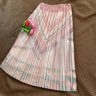 ファーファー(fur fur)のピンクデザインプリーツ スカート  (ひざ丈スカート)
