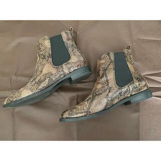 GU - パイソン柄ブーツ