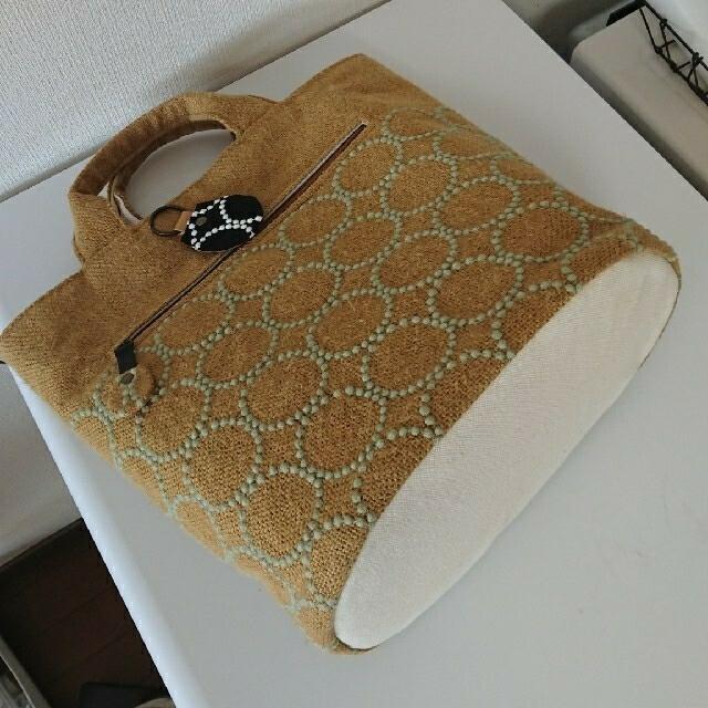 mina perhonen(ミナペルホネン)のミナペルホネン大きめキャメルタンバリンハンドメイドバック レディースのバッグ(ハンドバッグ)の商品写真