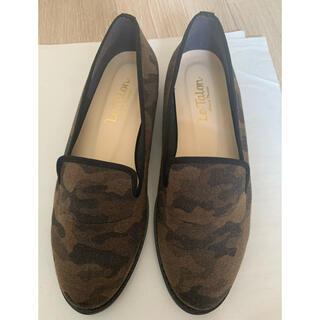 ルタロン(Le Talon)のルタロン 迷彩 ローシューズ オペラシューズ 23センチ(ローファー/革靴)