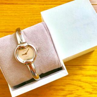 Gucci - 【大特価!!】グッチ バングル腕時計 1400L ホワイト 春 桜 お花見🎀
