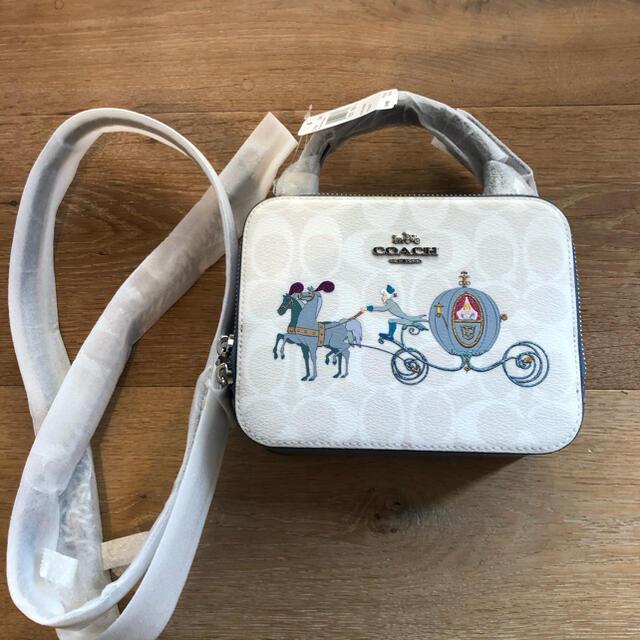 COACH(コーチ)のcoach シンデレラ ディズニー ショルダーバッグ レディースのバッグ(ショルダーバッグ)の商品写真