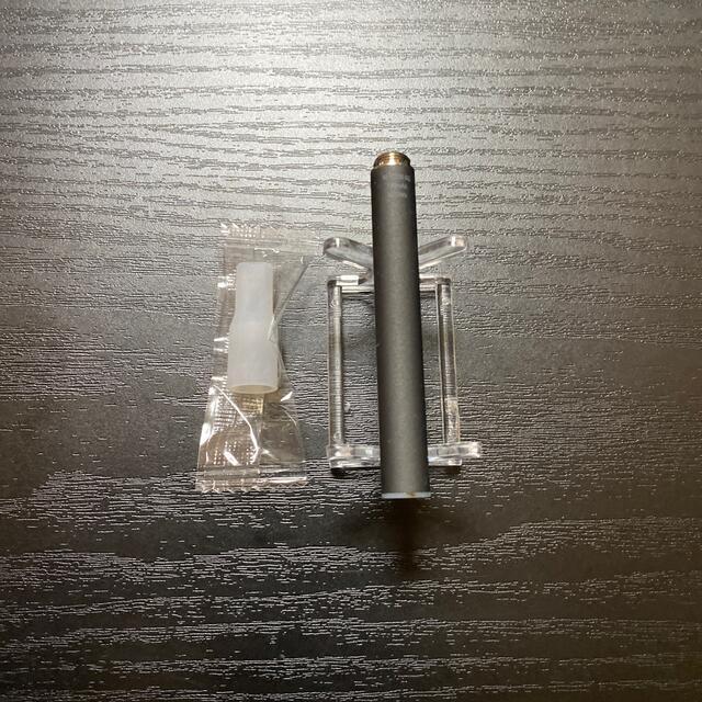 PloomTECH(プルームテック)のP1669番プルームテック 純正 バッテリー1本おまけマウスピース付きブラック メンズのファッション小物(タバコグッズ)の商品写真