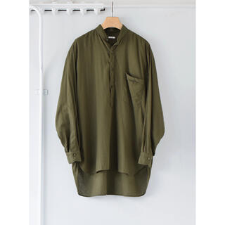 COMOLI - COMOLI 21SS ベタシャンプルオーバーシャツ オリーブ サイズ2 新品