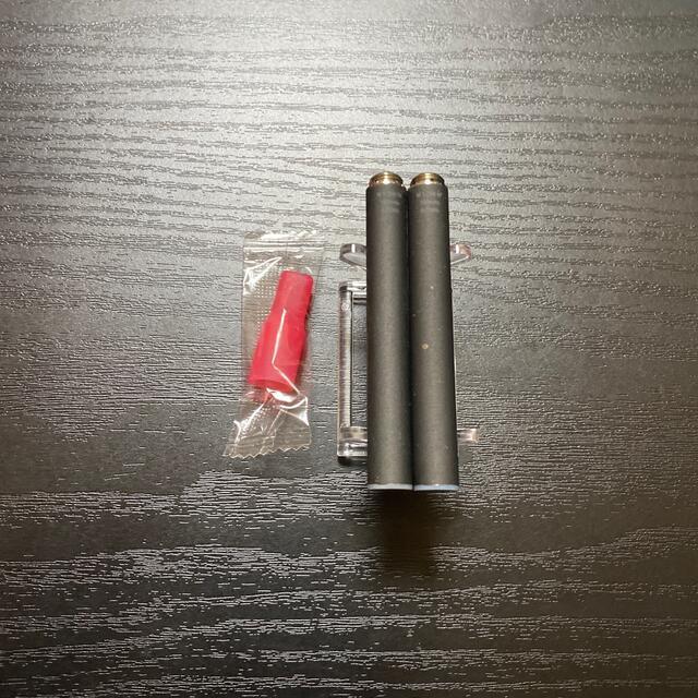 PloomTECH(プルームテック)のP1679番プルームテック 純正 バッテリー2本おまけマウスピース付きブラック メンズのファッション小物(タバコグッズ)の商品写真