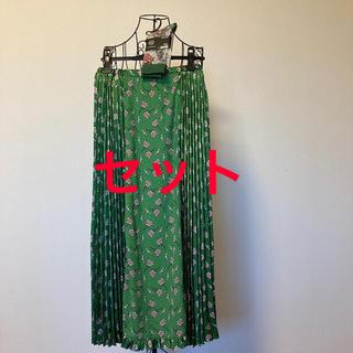 アンダーカバー(UNDERCOVER)のGU×UNDERCOVER スカートとソックスのセット(ロングスカート)