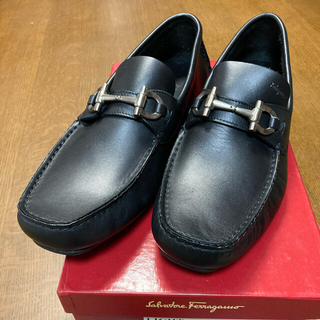フェラガモ(Ferragamo)のフェラガモ ドライビングシューズ(ローファー/革靴)