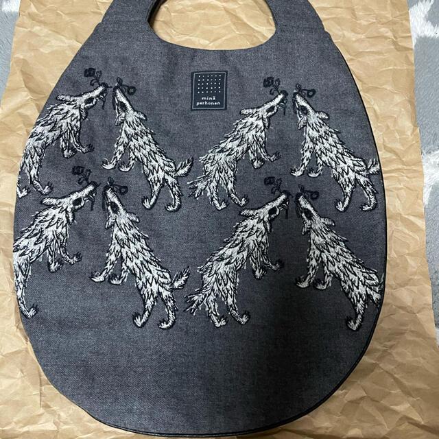 mina perhonen(ミナペルホネン)のミナペルホネン ウルフアンドフラワー エッグバッグ レディースのバッグ(ハンドバッグ)の商品写真