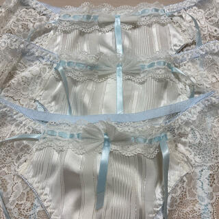 可愛い清潔感ある白レースパンツ 新品 3枚セットサイズM