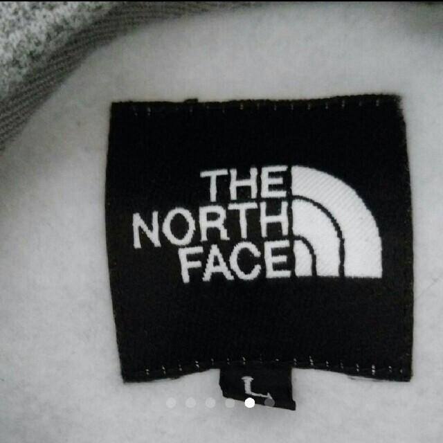 THE NORTH FACE(ザノースフェイス)のNORTH FACE スクエアロゴフーディー パーカー ノースフェイス メンズのトップス(パーカー)の商品写真