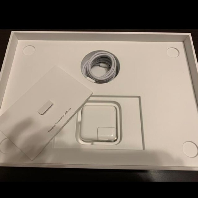 Mac (Apple)(マック)の【期間限定値下げ】APPLE MacBook Air  MRE82J/A スマホ/家電/カメラのPC/タブレット(ノートPC)の商品写真