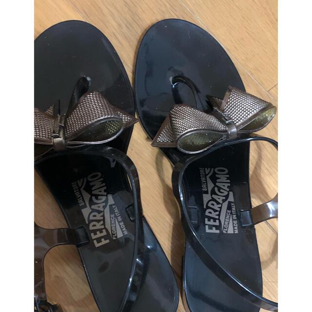 Salvatore Ferragamo(サルヴァトーレフェラガモ)のリボンサンダル フェラガモ ブラック レディースの靴/シューズ(サンダル)の商品写真