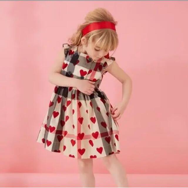 BURBERRY(バーバリー)のBurberry バーバリー 長袖 ワンピース ハート キッズ 18m 86cm キッズ/ベビー/マタニティのキッズ服女の子用(90cm~)(ワンピース)の商品写真