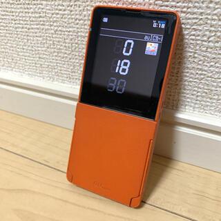 キョウセラ(京セラ)のMEDIA SKIN W52K au ガラケー(携帯電話本体)