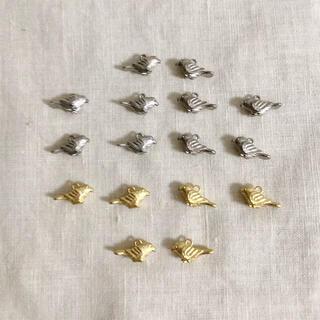 キワセイサクジョ(貴和製作所)の国産キャストチャーム ・小鳥&リス&鹿、鳥のメタルチャーム色々。(各種パーツ)