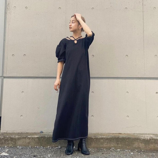 mame(マメ)のMURRAL Ivy halfsleeve dress black サイズ1 レディースのワンピース(ロングワンピース/マキシワンピース)の商品写真