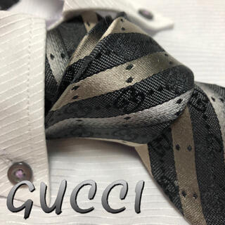 Gucci - グッチ ネクタイ【未使用に近い・現行品】人気 GGロゴ ストライプ 光沢 厚手