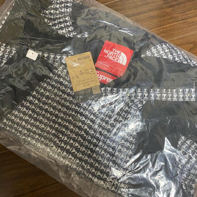 Supreme(シュプリーム)のシュプリーム ノースフェイス Studded Mountain 黒 Lサイズ メンズのジャケット/アウター(マウンテンパーカー)の商品写真