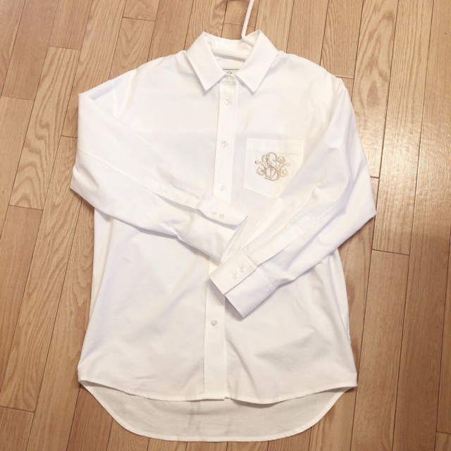 Drawer(ドゥロワー)のSeventen セブンテン SVT刺繍オックスシャツ ホワイト S レディースのトップス(シャツ/ブラウス(長袖/七分))の商品写真