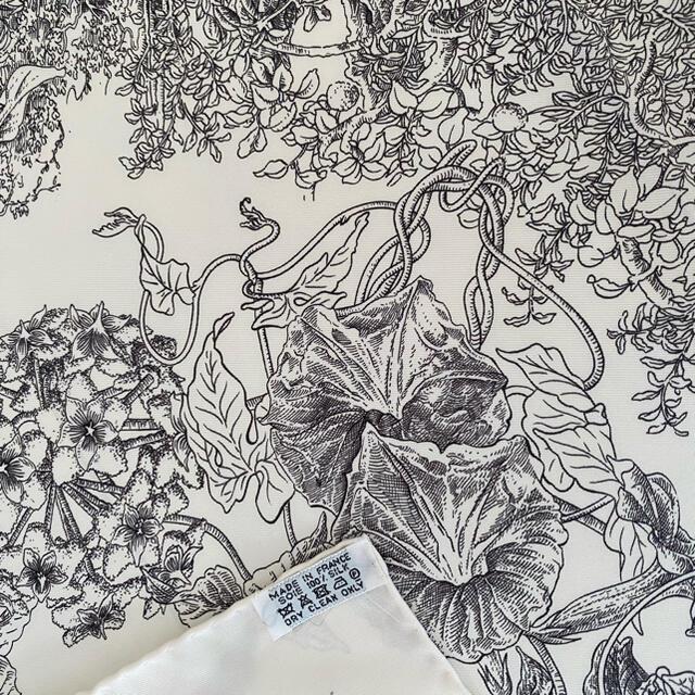 Hermes(エルメス)の ご専用 HERMES スカーフ カレ90 レイラの庭 レディースのファッション小物(バンダナ/スカーフ)の商品写真