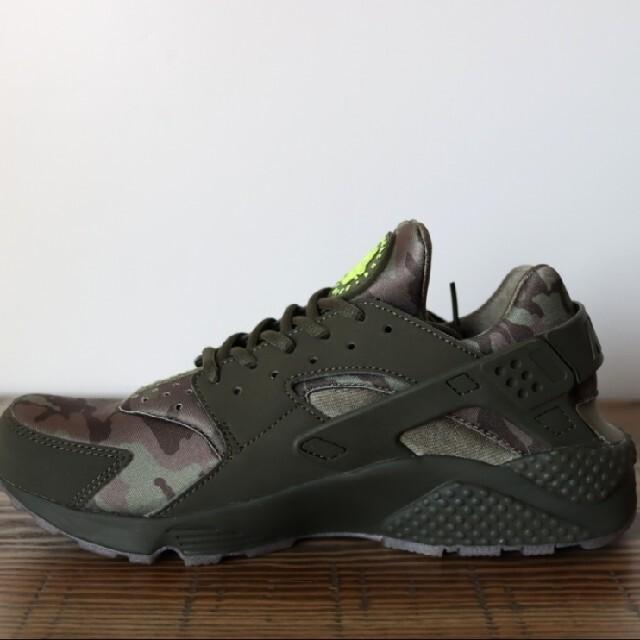 NIKE(ナイキ)のナイキエアハラチ新品未使用品 メンズの靴/シューズ(スニーカー)の商品写真
