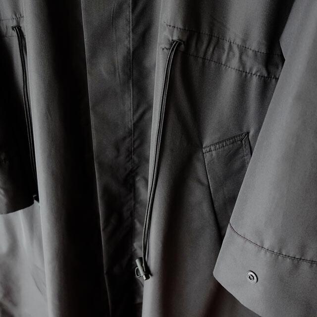 Sise(シセ)のSISE / BACK PRINT LONG COAT 【新品未使用】 メンズのジャケット/アウター(ステンカラーコート)の商品写真