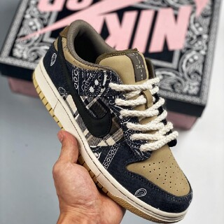 TRAVIS SCOTT×NIKE SB DUNK LOW PRM