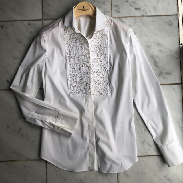 BRUNELLO CUCINELLI(ブルネロクチネリ)のmk様 Brunello cucinelli ブルネロクチネリ &スカート レディースのトップス(シャツ/ブラウス(長袖/七分))の商品写真