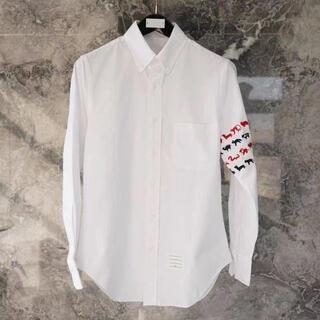 THOM BROWNE - THOM BROWNE子犬の刺繍入りシャツ
