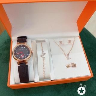 LOUIS VUITTON -  √:35 最終値下げ!♡LOUIS✰VUITTON♡ 腕時計 5点セット ♛