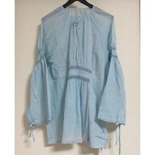 メルロー(merlot)のmerlot 刺繍シャーリングブラウス ライトブルー(シャツ/ブラウス(長袖/七分))
