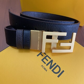 FENDI - 人気ベルト FENDIフェンディ ベルト 110CM 刻印ロゴ