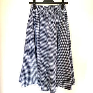 ユニクロ(UNIQLO)のユニクロ ギンガムチェックフレアスカート ブルー(ロングスカート)