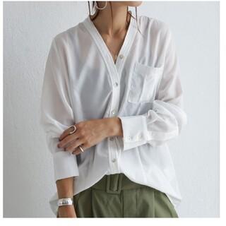 antiqua - アンティカ  極上Vネックシャツ