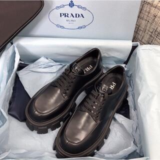 PRADA - パリショーのモデル PRADA  靴 マット