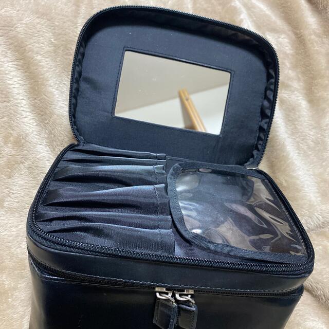 shu uemura(シュウウエムラ)の【shu uemura】バニティポーチ・メイクボックス 黒レザー コスメ/美容のメイク道具/ケアグッズ(メイクボックス)の商品写真