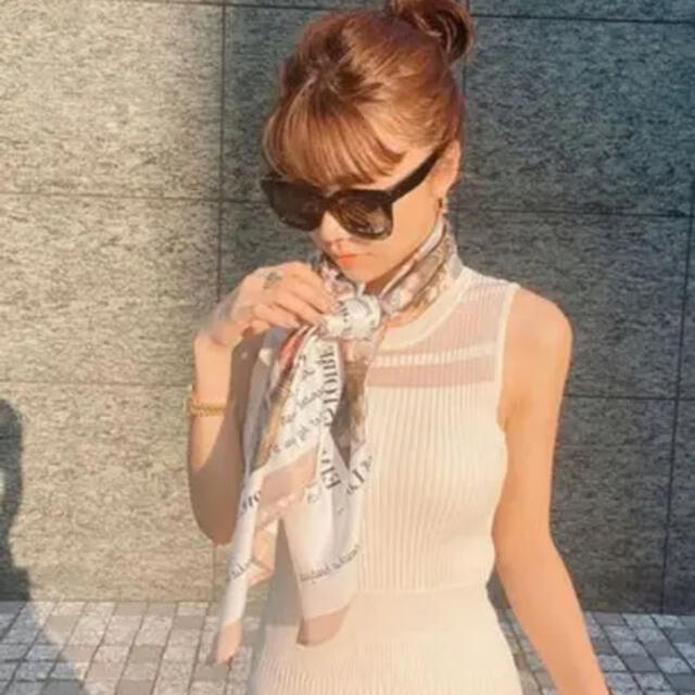 eimy istoire(エイミーイストワール)のeimy istoire ニットワンピーススカーフ付き レディースのワンピース(ロングワンピース/マキシワンピース)の商品写真