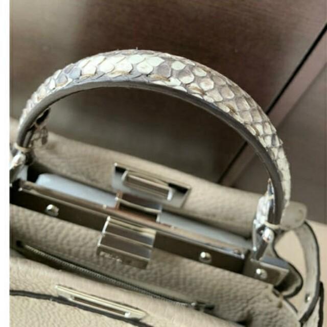 FENDI(フェンディ)の未使用品 フェンディ  FENDI ミニピーカブー セレリア コルダ レディースのバッグ(ハンドバッグ)の商品写真