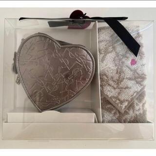 Yves Saint Laurent Beaute - 【新品・未使用】イヴサンローランポーチ&タオルハンカチセット