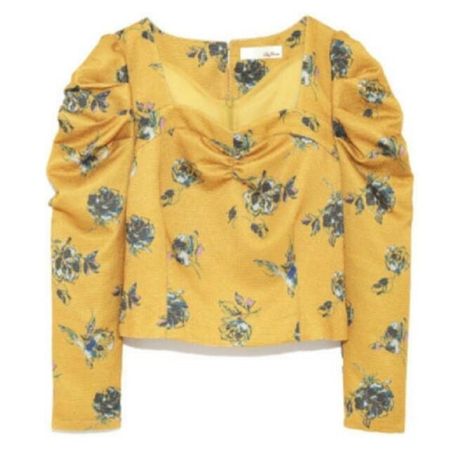 Lily Brown(リリーブラウン)の美品 花柄 リリーブラウン パフスリーブ コルセット風 レディースのトップス(カットソー(長袖/七分))の商品写真