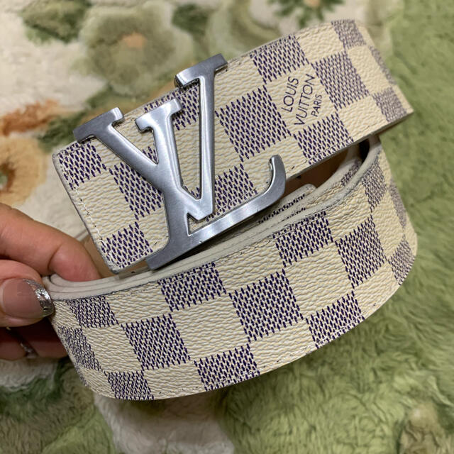 LOUIS VUITTON(ルイヴィトン)のLOUIS VUITTON ベルト 白 メンズのファッション小物(ベルト)の商品写真